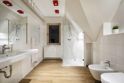 apartment 1050 West 2 Kościelisko Łazienka z prysznicem ,wc oraz bidetem.