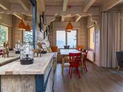 apartament 1050 West 2 Kościelisko Salon i duży stół.