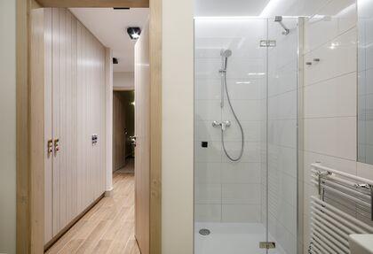 apartament 1050 South Kościelisko Wygodna łazienka z prysznicem.