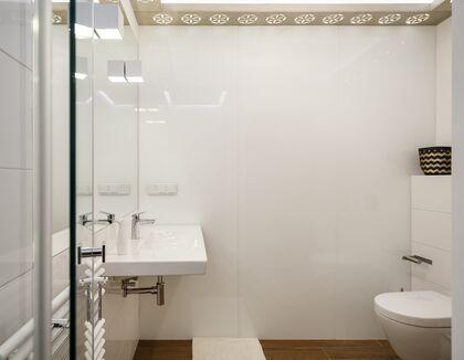 apartament 1050 South Kościelisko Lustro z umywala oraz WC