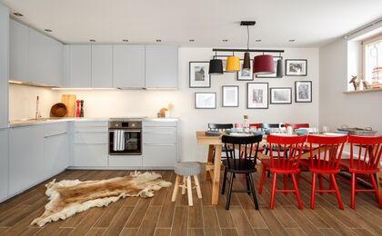 apartament 1050 South Kościelisko Komfortowy aneks kuchenny wraz z częścią jadalna.