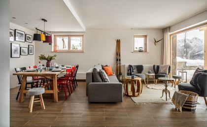 apartament 1050 South Kościelisko Salon z częścią jadalną.