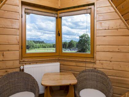 apartament Białka Garden 3 Białka Tatrzańska Widok z 2 sypialni.